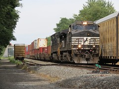 Norfolk Southern Chicago Line / MP 456 Westbound (codeeightythree) Tags: ns norfolksouthernchicagoline norfolksouthernrailroad rollingprairieindiana railroadmeet freighttrains stacktrain