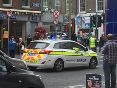 Irish Police Car - An Garda Siochana  - O'Connell Street, Limerick (firehouse.ie) Tags: policja politi polti 151d6676 vehicles vehicle cars cop gardacar policecar 2016 july cops policia polizia polis polizei irish ireland rainbowparade limerick wagon hyundai force national ags siochana gardai patrol garda cruiser car police