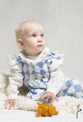 Play time (jannaheli) Tags: suomi finland helsinki studio kotistudio homestudio nikond7200 valaisu strobist lapsi tyttö child girl babygirl goddaughter kummityttö leikkiaika playtime potretti portrait