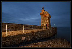 Lynmouth Harbour Beacon (RattyBoots) Tags: longexposure tower canon twilight harbour devon 7d bluehour beacon lynmouth exmoor polariser canon1022