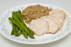 Pan-Seared Chicken (Tom Noe) Tags: food chicken cooking barley dinner homemade asparagus homecooking foodphotography wholegrain tomnoe lowsodium tomnoephotography