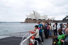 passing the SOH (Val in Sydney) Tags: house harbour sydney australia nsw oper soh australie