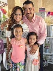 Ximena recibe la eucarista (Sociales El Heraldo de Saltillo) Tags: amigos familia mxico nios mayo primera coahuila saltillo sociales comunion 2016 elheraldodesaltillo