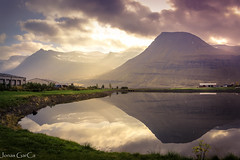 Unforgettable moments in Iceland (Jons Garca) Tags: world pictures travel sunset sunlight colors canon landscape lago photography landscapes photo iceland islandia agua pics sunsets nubes puestadesol fuego amateur hielo fjords reflejos lightroom reflexes sunsetcolors fiordos eos700d conmicanon