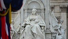 Queen Victoria (pjpink) Tags: uk england london spring britain may royal palace buckinghampalace buckingham 2016 historicroyalpalaces pjpink