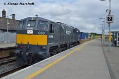 080 passes Portarlington, 27/6/16 (hurricanemk1c) Tags: irish train gm rail railway trains railways irishrail generalmotors dfds portarlington 2016 emd 080 071 iarnrd ireann detforenededampskibsselskab iarnrdireann 1130waterfordballina