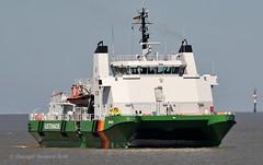 Zollkreuzer Borkum (Bernhard Fuchs) Tags: boat cruiser kstenwache nikon schiffe ship ships vessel water zollkreuzer cuxhaven zoll seeberwachung elbe boot schiff