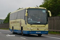 East Yorkshire 71, A14EYC. (EYBusman) Tags: bus volvo coach m1 leicestershire yorkshire east motor hull panther services coaches platoon paragon tibshelf eyms a14eyc eybusman yx07hko b11r