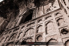 Wall of Ages (AQAS) Tags: windows pakistan sunset building heritage silhouette architecture ruins tomb arc lahore dull mughal