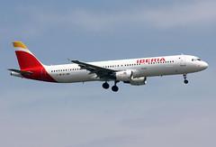 EC-JDM (JBoulin94) Tags: madrid john airport spain international airbus mad iberia barajas a321 lemd boulin ecjdm