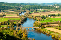A River Runs Through It (FotoMemi) Tags: bridge digital river landscape nikon scenery ngc dordogne d200 nikkor domme twop aquitaine nikond200