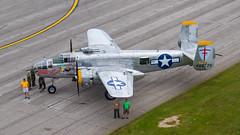 USAAF North American B-25J Mitchell 44-86725/N25NA (Hugh Dodson) Tags: sunday ypsilanti mitchell b25j willowrun northamerican usaaf superrabbit 4486725 n25na thunderovermichigan2015