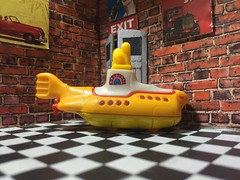 Yellow Submarine (FNK78) Tags: thebeatles diecast hotwheels