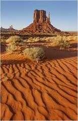 Monument Valley  v009 (Ezcurdia) Tags: monumentvalley utah arizona usa eeuu navajo tsebiindisgaii limolita navajotrivalpark johnfordpoint