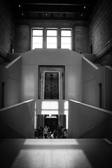 Neues Museum (Berlin) (dirksachsenheimer) Tags: neuesmuseum berlin museumsinsel sammlung ausstellung geschichte nikon d800 sigma35mmf14dghsm sigma blackandwhite schwarzweis monochrom sw egypt deutschland museum kunst germany exhibition egyptianart egyptian art dirksachsenheimer