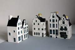 I bought a new house in Holland! (Canadian Pacific) Tags: houses house holland netherlands dutch amsterdam ceramic 1 miniature no north nederland number curacao klm huis curaao 85 herenstraat noord keramiek nummer huisjes miniatuur koninkrijkdernederlanden aimg3646 penhahuis