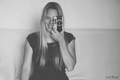 Selfology20 (Anne-Laure Kesteman) Tags: portrait selfportrait canon vintage photographer natural indoor 5d alk werlisa selfology