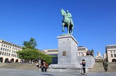 Brussels - Bruxelles (Kristel Van Loock) Tags: brussels statue belgium belgique belgië bruxelles bruselas brussel statua belgica standbeeld beeld belgien belgio montdesarts kunstberg visitbelgium visitbrussels