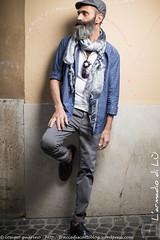 IMG_4667 (traccediscatti) Tags: street blu moda style persone uomo pubblicit modello abbigliamento accessori