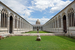 2016-05-13 05-28 Toskana 348 Pisa, Piazza dei Miracoli, Il Camposanto (Allie_Caulfield) Tags: city italy tower del geotagged photo site high flickr torre foto image sommer sony picture center medieval historic hires pisa cc tuscany resolution jpg piazza duomo bild jpeg geo altstadt leaning stockphoto toskana a77 2016 pendente wunderwiese maiitalien
