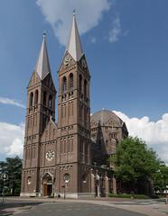 Geldrop - Heilige Brigidakerk (grotevriendelijkereus) Tags: holland tower church netherlands toren nederland dome kerk brabant noord koepel geldrop neoromaans neoromanesque