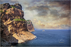 (099/15) Acantilados de Serra Gelada en la Punta del Cavall (Pablo Arias) Tags: naturaleza nature photoshop nikond50 cielo nubes hdr benidorm photomatix tamron18250 pabloarias puntadelcavall parquenaturaldeserragelada