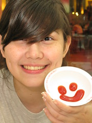 happy (DOLCEVITALUX) Tags: portrait smile face happy ketchup sauce catsup canonpowershotsx110is