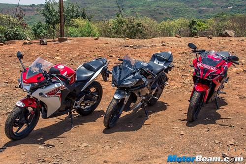 Yamaha-R15-vs-Pulsar-RS-200-vs-Honda-CBR150R-11