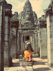 Tiny Buddha (TheClauOrtiz) Tags: travel indonesia traveller traveler