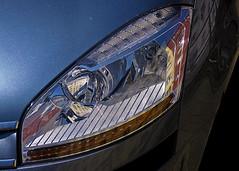 Solo reflejos callejeros (pp diaz) Tags: espaa color luz faro asturias coche oviedo norte reflejos automovil paisajeurbano