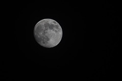 Is there a man on the moon... (mukje2000) Tags: moon lune iso200 f5 6d 1200s 200mm 70200f4