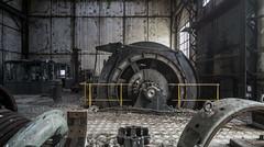 Enrouleur. (LoquioR) Tags: abandoned mine decay machine exploration urbex urbaine abandonn machinerie