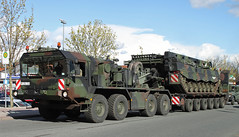 Elefant (Schwanzus_Longus) Tags: old 3 tractor classic truck vintage germany army big tank military large semi lorry german huge vehicle trailer oversized heavy load armored recovery transporter behemoth oversize bundeswehr haulage büffel bergepanzer