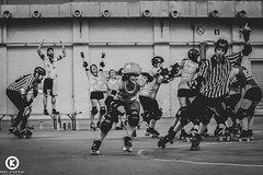 Brussels Derby Pixies vs La Boucherie de Paris (Orel Kichigai) Tags: red brussels woman paris france green beauty smile tattoo fun happy team women focus belgium rollerderby bruxelles skate roller strong skater athlete derby skates jammer blocker spo teamspirit wftda womensport