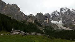 baita di montagna (eli.g85) Tags: mountain snow nature neve baita