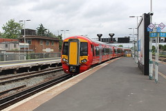 387215 (matty10120) Tags: train transport rail railway clas class 387 gatwick express thameslink e east croydon