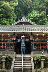 father and daughter (Chichika) Tags: family girl temple shrine dad child father tae baba