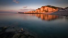 L'anneau d'Yport (amateur72) Tags: longexposure sunset mer cliffs fujifilm coucherdesoleil falaises yport poselongue xt1 xf1024mm