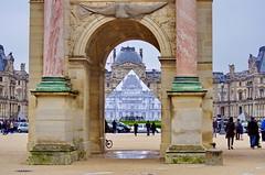 Paris Juin 2016 - 96 JR a fait disparatre la pyramide duLouvre (paspog) Tags: paris france louvre jr pyramide pyramidedulouvre