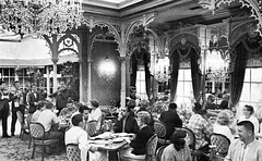 The Plaza Inn, 1965 (Tom Simpson) Tags: vintage disneyland disney 1960s vacationland 1965 plazainn vintagedisneyland vintagedisney