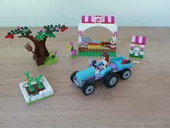 LEGO 41026 LEGO FRIENDS Sunshine Harvest (Totobricks) Tags: friends tractor make sunshine garden lego olivia harvest instructions build sunshineharvest legofriends instructionshowto totobricks lego41026
