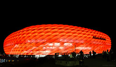 Allianz Arena (Gyorgy Petrilla) Tags: germany mnchen bayern football arena porto league champions allianz niemals aufgeben