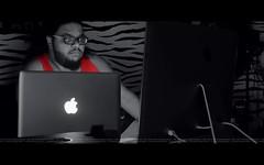 Apple World (dr.7sn Photography) Tags: red apple price nikon inch imac photographer professional saudi arabia pro 13 27 و lightroom تصوير العرب اسعار انتاج اخراج macbook i7 ابل احمر نيكون ذهبي لاب توب مواصفات d7100 لون اصدارات معلومات محترف لايت احترافي روم ايماك يحترف حاسبات كمبيوترات