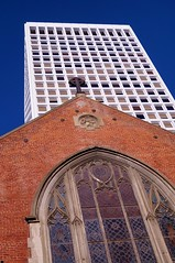 Downtown - Old St. Mary's Cathedral 2 (luco*) Tags: usa states californie san francisco downtown union square hotel htel immeuble gratteciel building glise church old st marys cathedral cathdrale nogothique california tatsunis united america damrique amrique