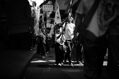way home (Wilson Au | ) Tags: blackandwhite monochrome backlight canon hongkong parade  cheungchau    cheungchaubunfestival ef50mmf12lusm eos5dmarkiii