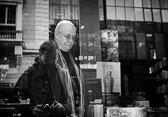 making of ... and other stories (Erwin Vindl) Tags: blackandwhite bw monochrome candid streetphotography omd streettogs em10markii makingofandotherstories erwinvindlolympus