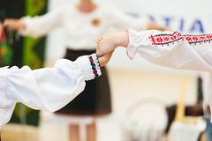 _AAA7624.jpg (S. Hemiolia) Tags: festival dance danza romania ballo moldavia abiti rumeni ortodossi tradizionali moldavi sezatoare bucuriei
