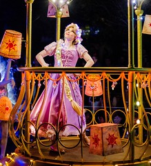 Paint the Night (frozonelanterns) Tags: disney ptn elsa frozen rapunzel paintthenight tangled anna disneyland peterpan ariel