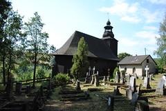 kostel se hbitovem, Kamienczyk, Polsko (Ondra Brabec) Tags: devn hbitov kostel kamienczyk polsko poland polska