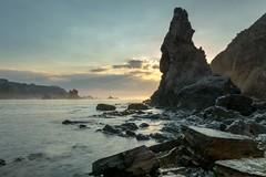 Playa del silencio otra vista #sir_house #asturias #playadelsilencio #beach #sunset #atardecer #nikon #verano2016 #d7100 (jcasas_10) Tags: verano2016 nikon d7100 asturias playadelsilencio atardecer beach sirhouse sunset